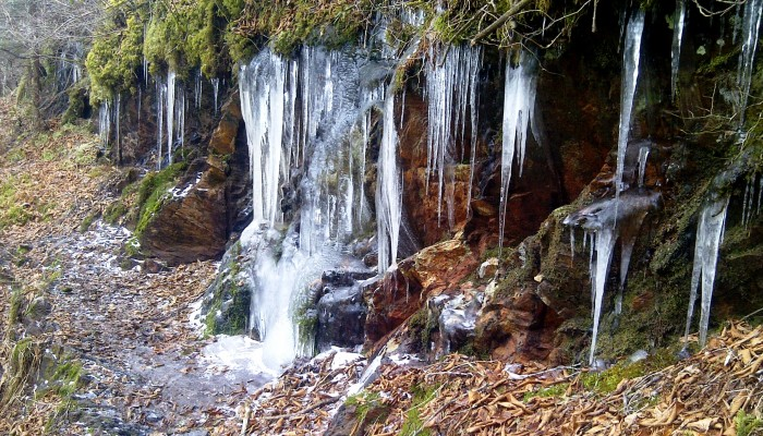 Icicles near Dry Sluice Gap, Smoky Mountains - Photo by Billy Jones