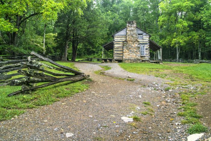 John-Oliver-Cabin-Trail-in-Cades-Cove