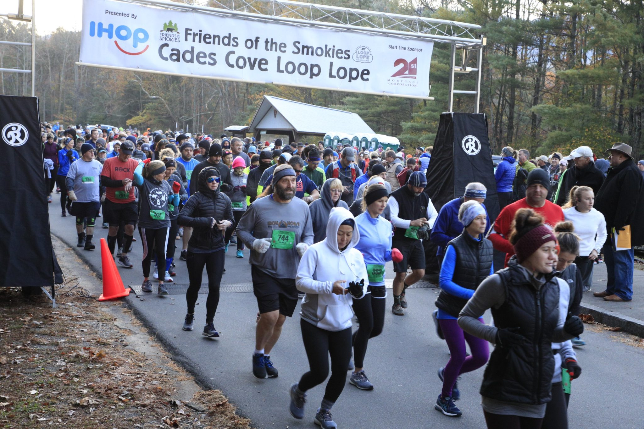 Cades Cove Loop Lope start - photo by Horace Hamilton