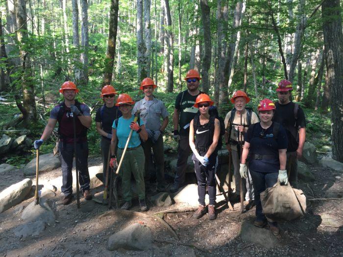 volunteer group on Rainbow Falls Trail