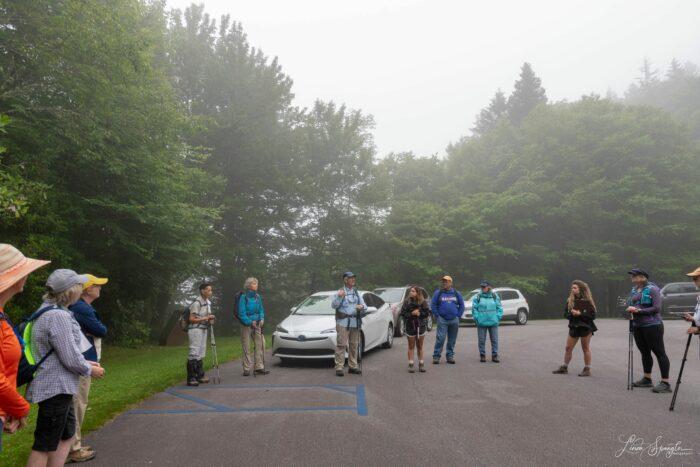 Steve Pierce briefs hikers