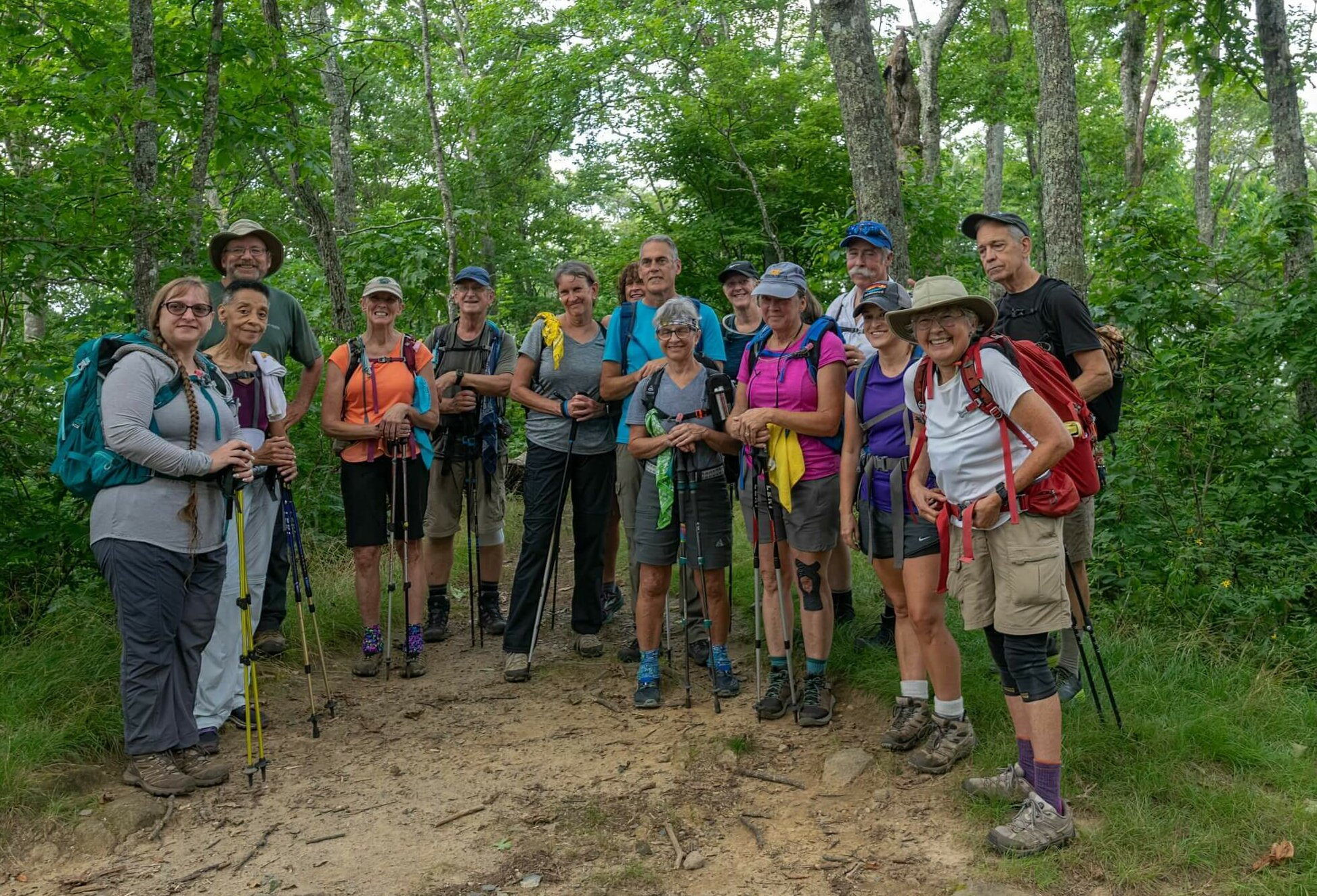 group photo of FOTS hikers
