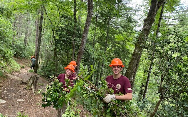 GSMNP interns clearing trail